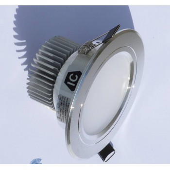 300 lumen 3-watt LED DOWNLIGHT-S (65-90 mm cut-out)