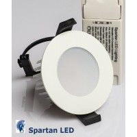 760 lumen 9-watt Starbright LED downlight (fits 65-75 mm cut-out)