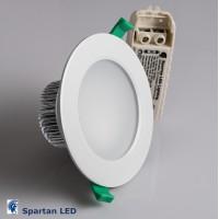 900 lumen, 9-watt LED downlight