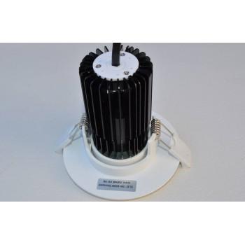 850 lumen, 10-watt 90-degree adjustable LED spot (fits 65-90mm cut-out)